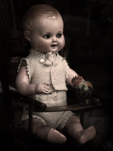 evil_doll_by_plasticjoinstheworld